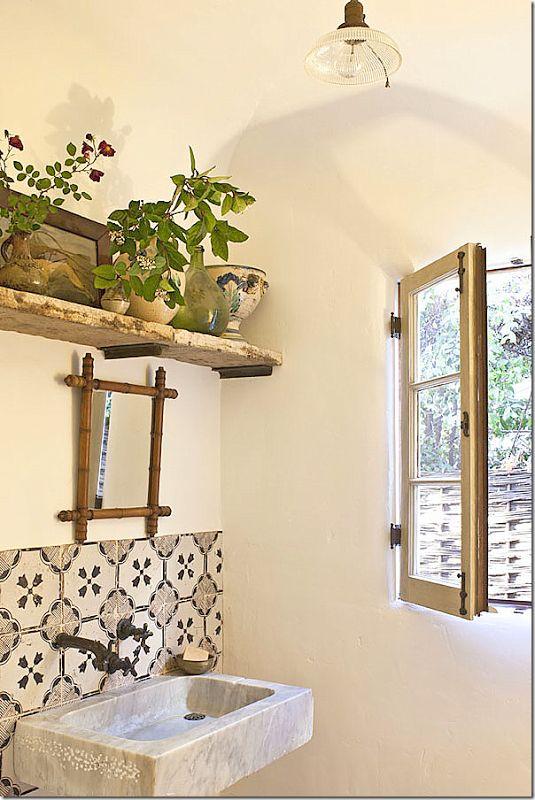 rustic spanish tile backsplash bathroom, pedistal sink