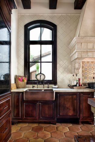spanish floor tile, hexigon, kitchen backsplash