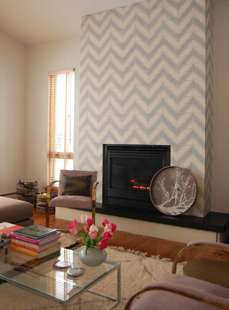 cream and blue tile pattern, Fireplace